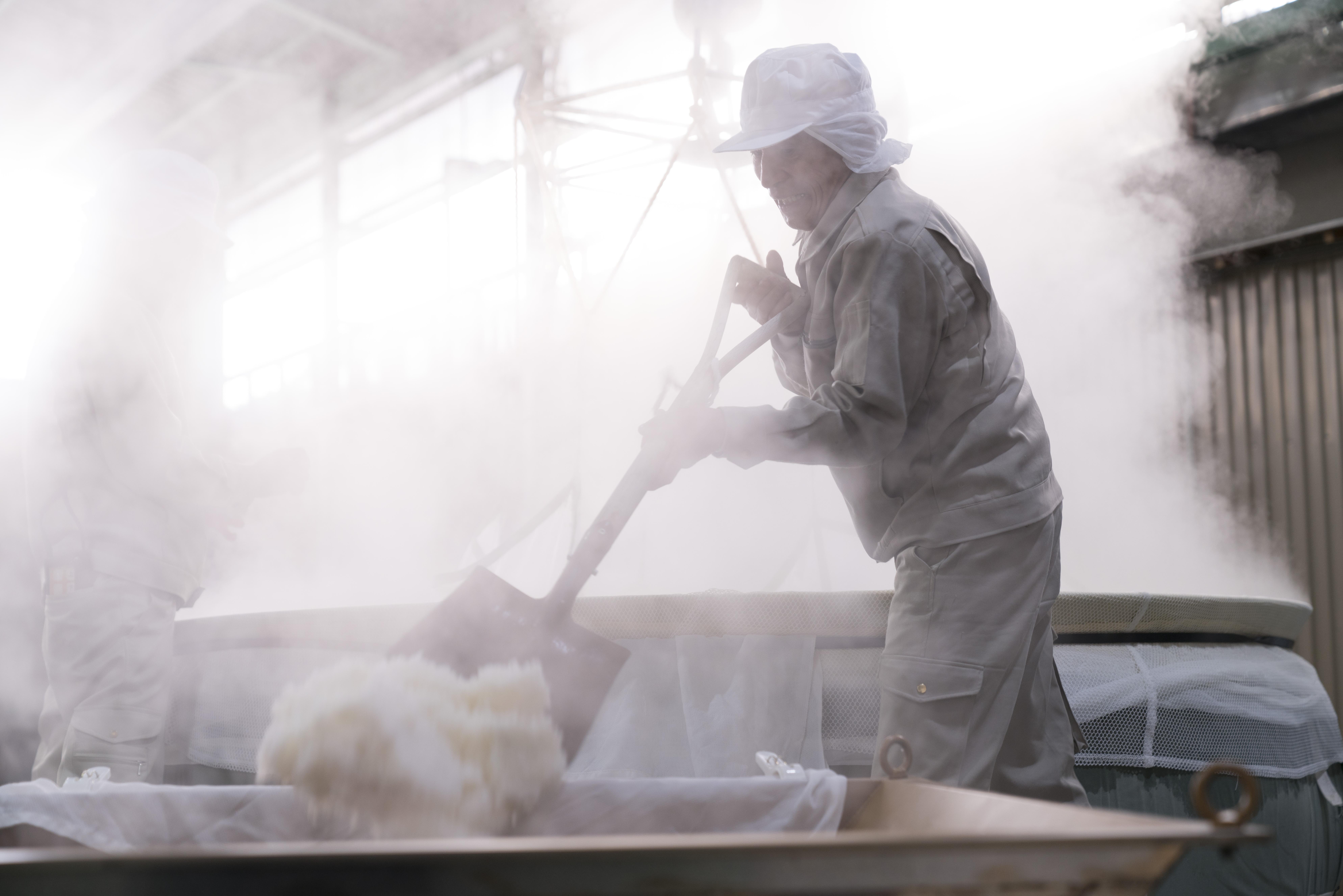オーガニックの日本酒を数多くつくられている天鷹酒造様で働かれている方
